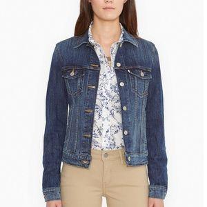 Women Levi Classic Denim Jacket